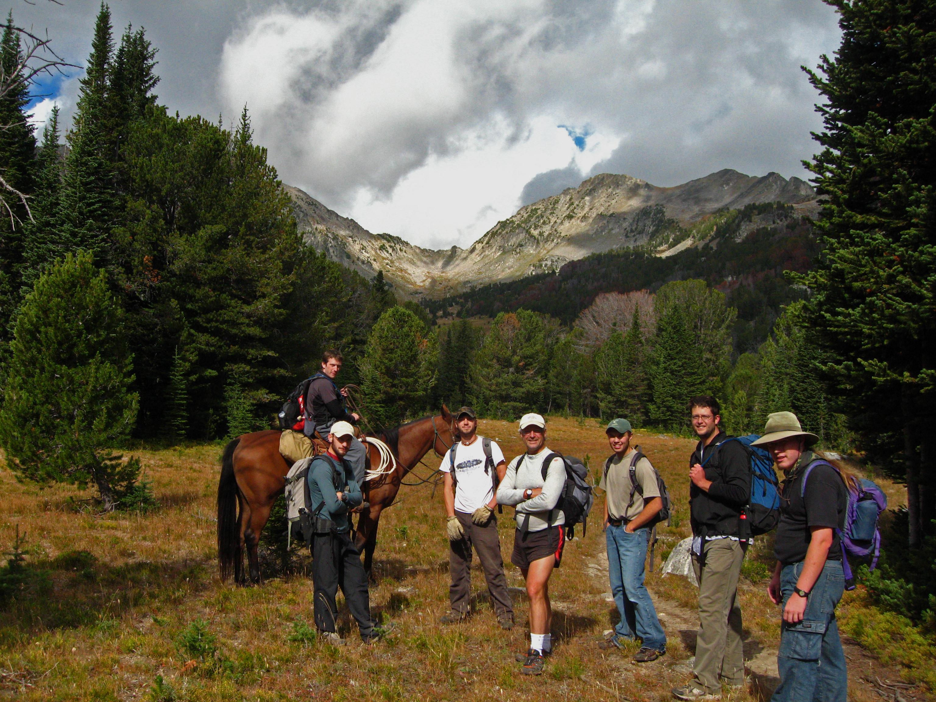 Туристки в походе 21 фотография