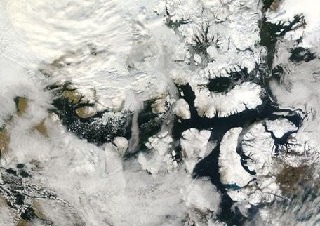 Northwest Passage Viewed by NASA\'s Terra satellite