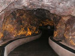 Image of the Kartchner Caverns tunnel.
