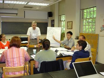 Richard Yuretich leads a workshop session on keeping seminars lively, at the 2007 workshop for Early Career Faculty in the Geosciences