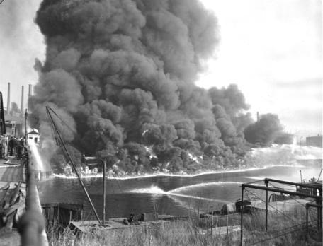 Cuyahoga-fire-1952.jpg