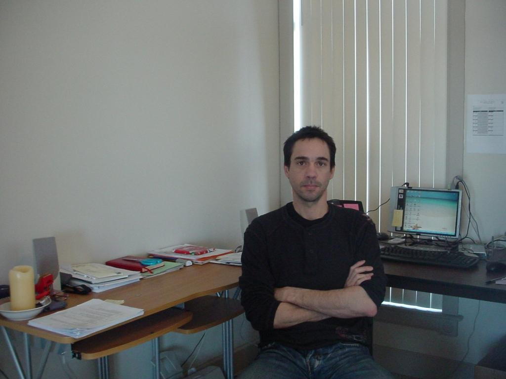 Jose J Vazquez