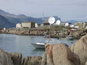 harbour ith satellite dishes