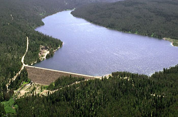 Reservoir with dam