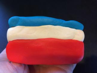 Play-Doh model, upright syncline