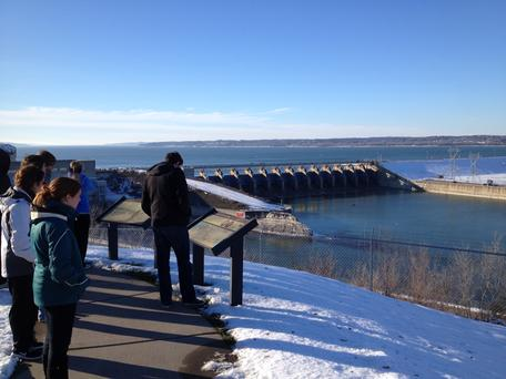 ESCI 385 on a field trip to the Gavins Point Dam