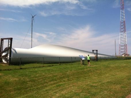 Wind turbine blade from a 90 m diameter rotor