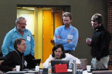 A group brainstorms at the Engineering, Sustainability, and Geosciences Workshop 2013