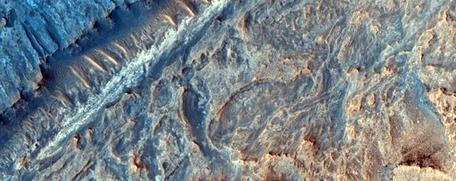 Sulfate and clay strata in Gale Crater from HiRISE