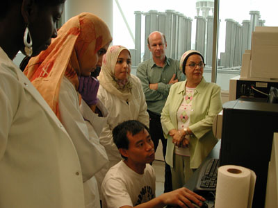 Jinjun Kan (seated) demonstrating scanning of DGGE gels.  Left to right: Saffie Bangura, Eman Soliman, Mona El Sayed, Russell Hill and Soad Abou-El-Ela.