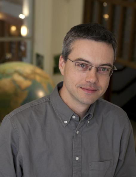 Frederik J Simons