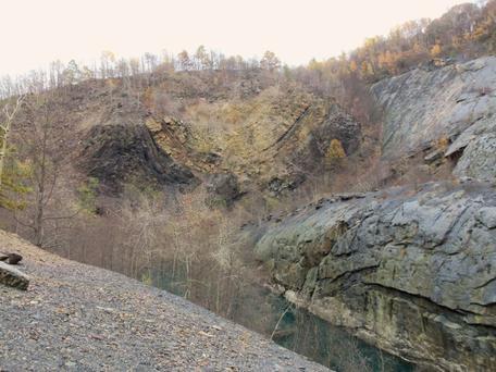 Bear Valley folds